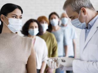 vakcína covid pandemie očkování