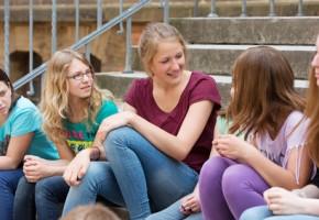 Krátkodobá detoxikace versus dlouhodobá léčba kombinací buprenorfin/naloxon u mládeže závislé na opioidech