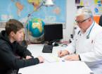 Předepisování opiátů dospělým znamená riziko pro děti a mládež