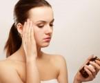 Vliv kombinované hormonální antikoncepce na migrenózní bolesti spojené s menstruačním cyklem