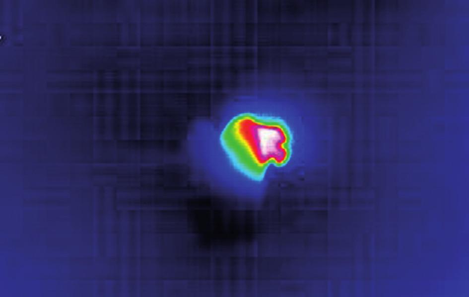 Kamera Optilas – Electrophysics citlivá na infračervené záření v průběhu měření ohřevu u zubu 14.