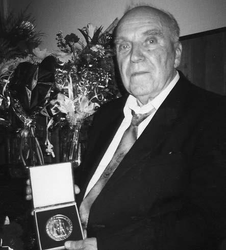 Prof. J. Šváb (oslava 80. narozenin v Bardejově) Fig. 1. Professor J. Šváb (his 80<sup>th</sup> birthday celebration in Bardejov)