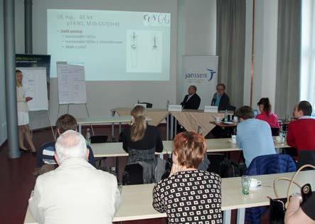 Obr. 7. As. MUDr. Michaela Matoušková přednáší modelovou kazuistiku, za předsednickým stolem prim. MUDr. Martin Drábek a prim. MUDr. Lubomír Slavíček, Ph.D. (Jihlava, 12. 4. 2016) Fig. 7. Michaela Matoušková, M.D. presenting a model case report, with head physicians Martin Drábek, M.D. and Lubomír Slavíček, M.D., Ph.D. sitting at the chairman's table (Jihlava, 12 April 2016)