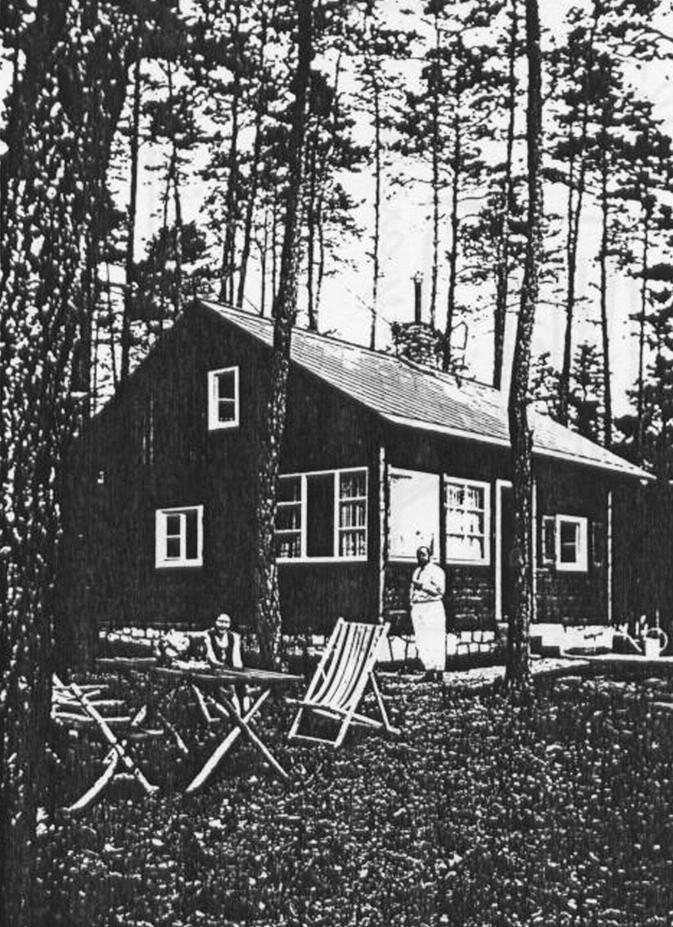 Profesor Jan Jesenský na své chatě ve Voznici, odkud podnikal pěší tůry brdskými a karlštejnskými lesy.