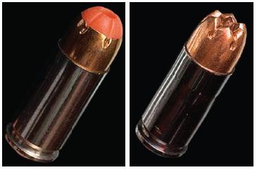 Pistolové náboje Extreme Shock se střelami ultrafrangible rozpadajícími se v měkkých tkáních (vlevo náboj AFR, vpravo FF).