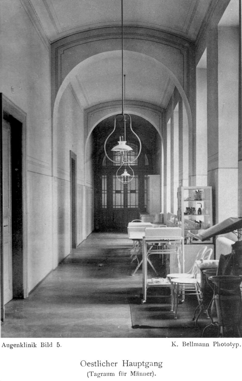 Historická fotografie pavilonu z publikace Czermak, W., Jaksch, R. V., Saenger, M., Kožíšek, A.: Der Kaiser Franz Josef- Pavillon im k.k. allgemeinen Krankenhause zu Prag, Prag, 1900.