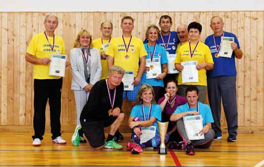 Smíšené volejbalové družstvo zastupující lékaře a zdravotní sestry letos zvítězilo nad sestavou transplantovaných v poměru 2:0.