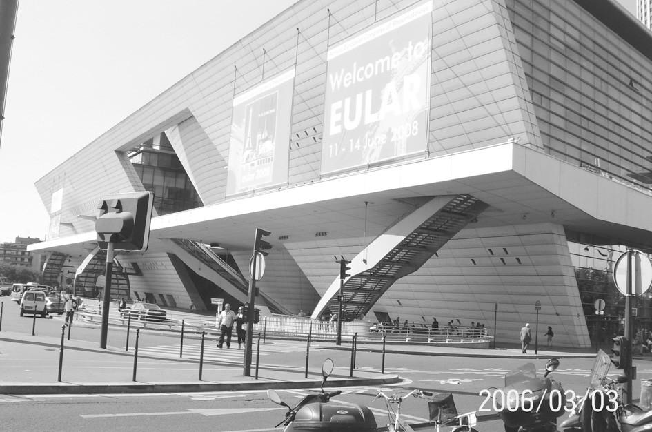 """Kongresové centrum """"Palais des Congrès 2, de la Porte Mailot Paris."""""""