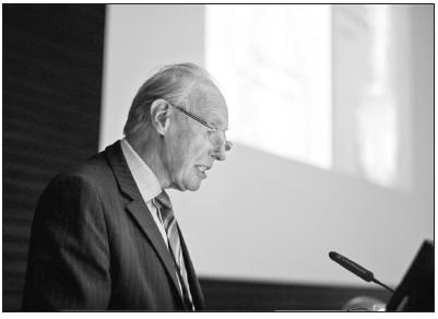 Profesor Richard John Heald, Obe Mchir FRCS