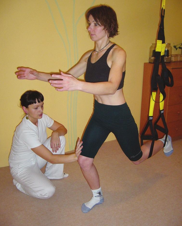 Stabilizace kolene v poloze rytíře.