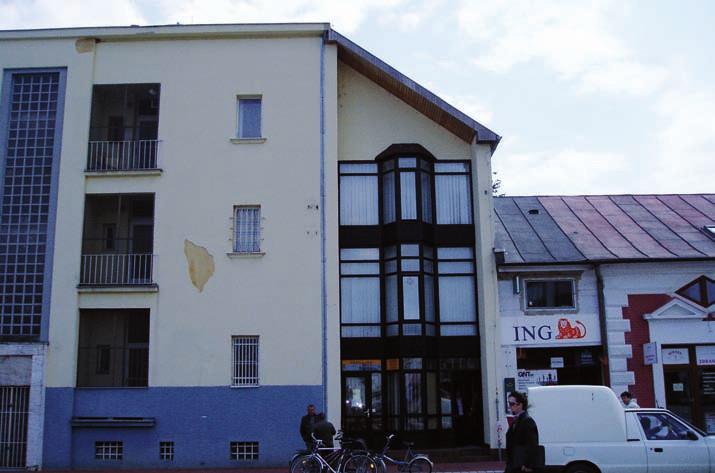 Nová pošta, naväzujúca na časť starej pošty v Michalovciach, odkiaľ Franz Kafka poslal pohľadnicu Felícii Bauerovej.