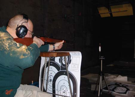 Photo 2. Demonstration of shooting from a distance of 1m from the end of the barrel of a firearm.