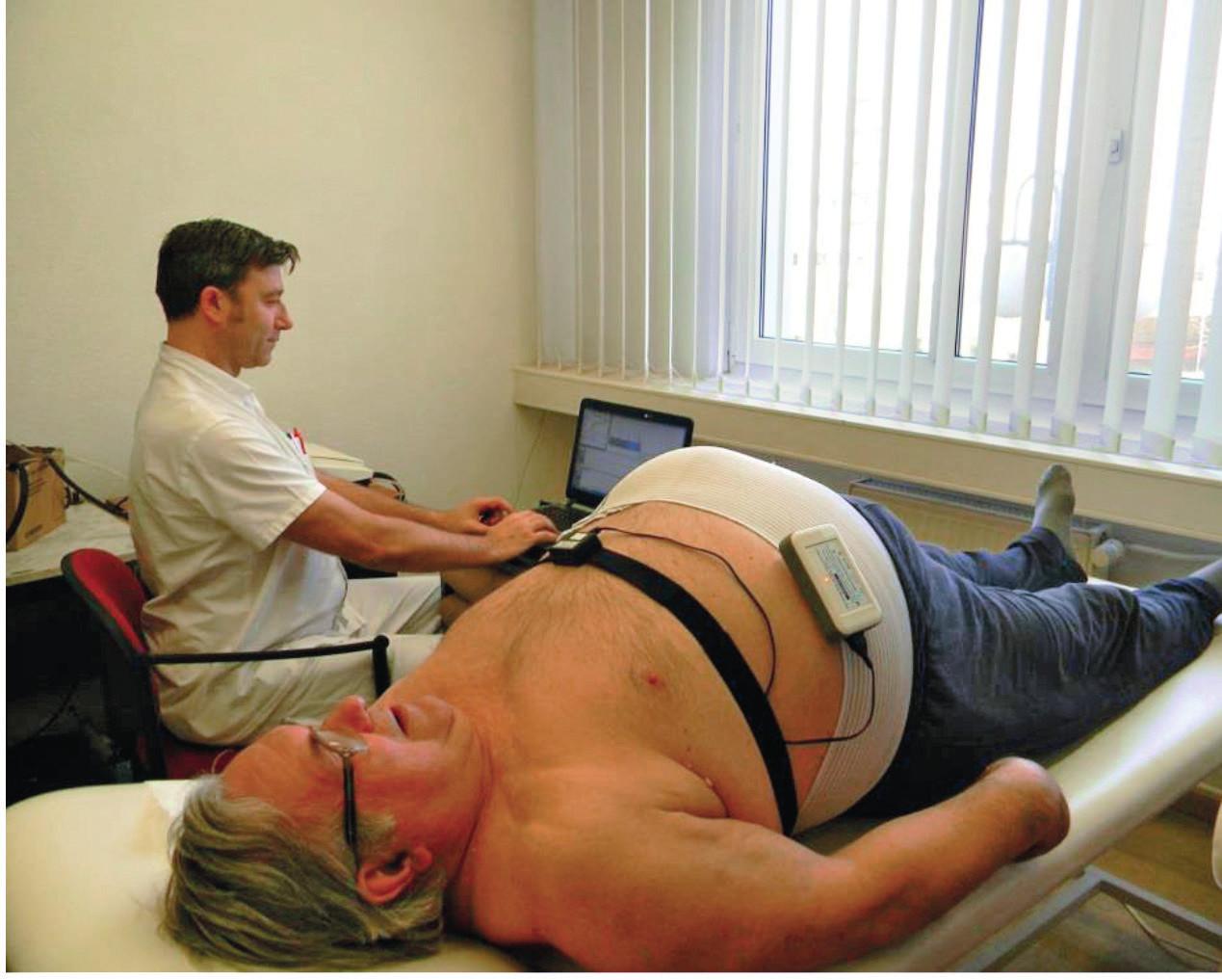 Vyšetření pacienta s použitím metody spektrální analýzy variability srdeční frekvence.