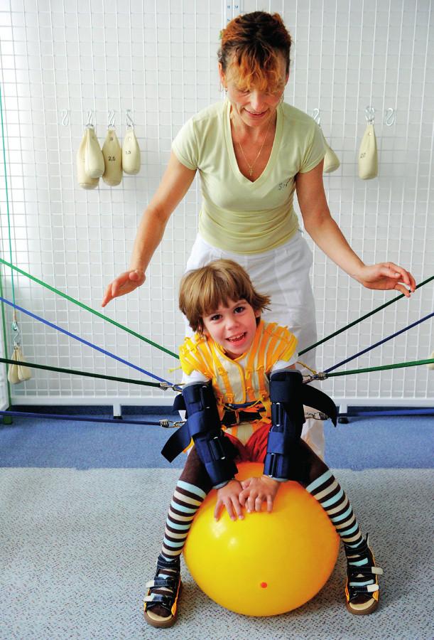 Kombinace vlivů techniky dle manželů Koscielny s cvičením na labilní ploše míče.