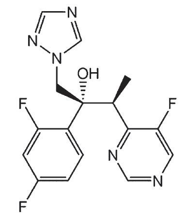Strukturní vzorec vorikonazolu.