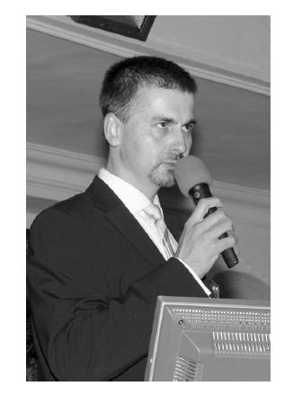 Prim. MUDr. Václav Janovský z pořádajícího Onkologického odd. Nemocnice České Budějovice, a.s. při slavnostním zahájení (Foto Jiří Králík)