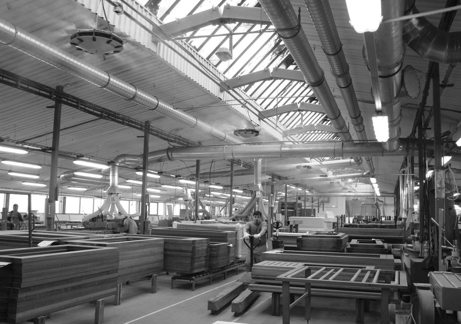 Zavěšené zvlhčující moduly v dřevařské výrobě