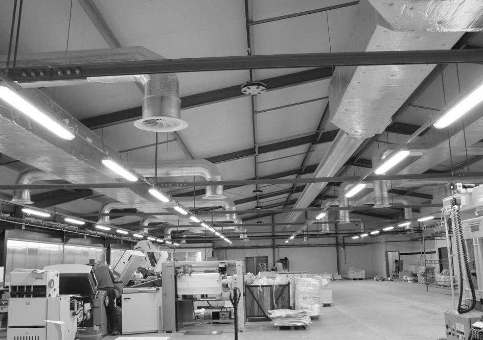 Zavěšené zvlhčovací moduly v tiskárenském provozu