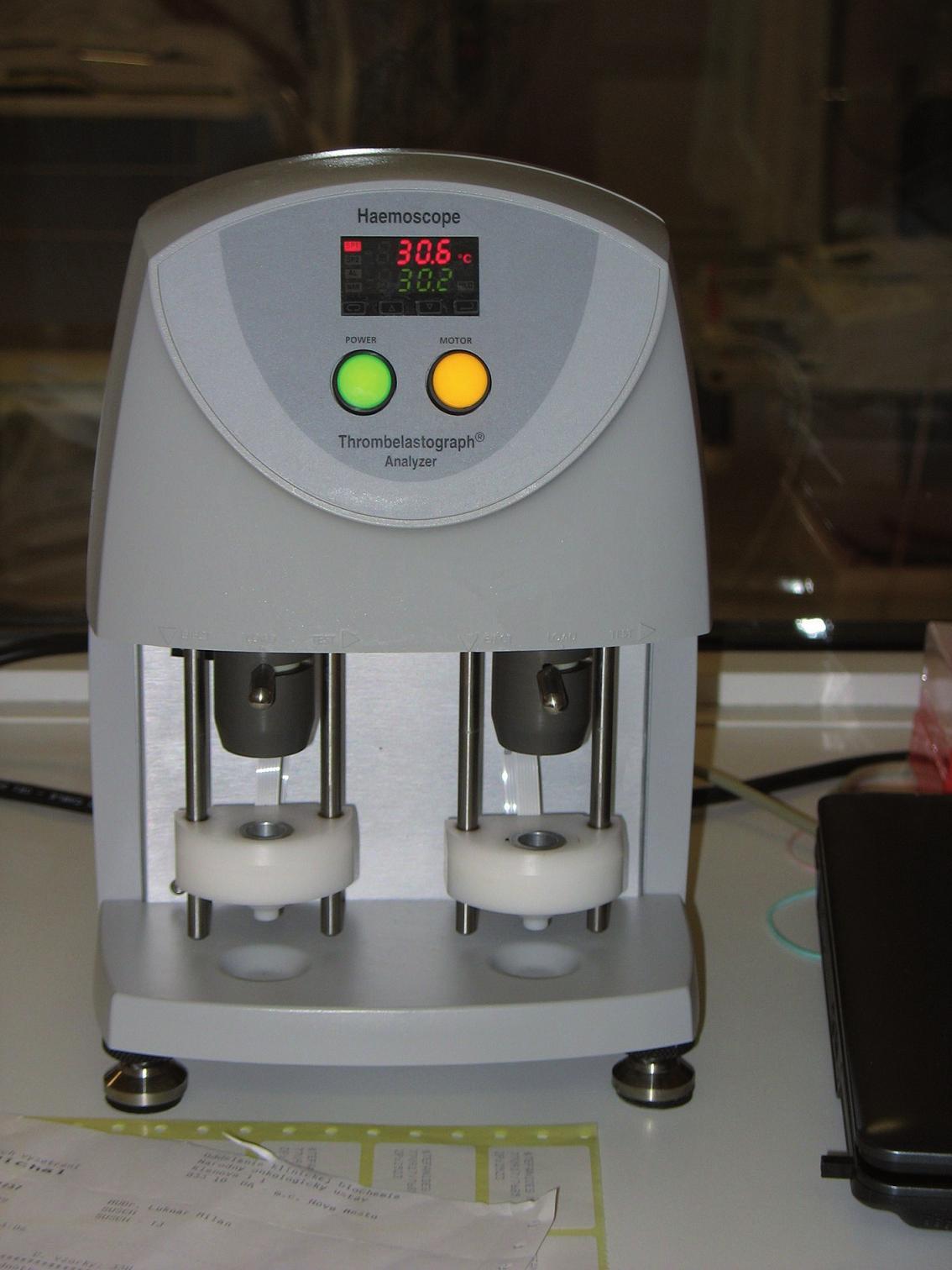 Tromboelastograf TEG Coagulation Analyzer 5000 series.