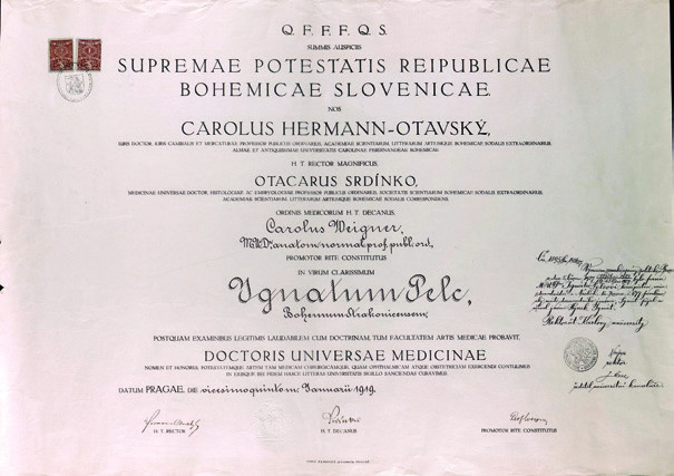 Doktorský diplom Lékařské fakulty Univerzity Karlovy Hynka Pelce z roku 1919