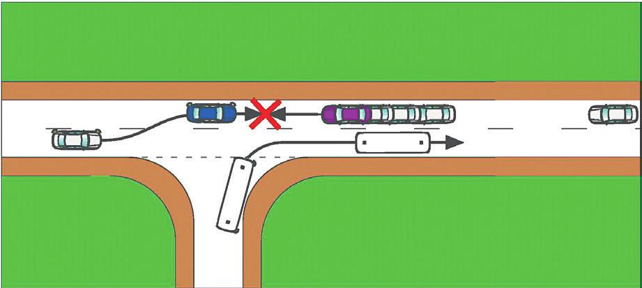 Střet osobních automobilů po zaváhání řidiče fialového OA