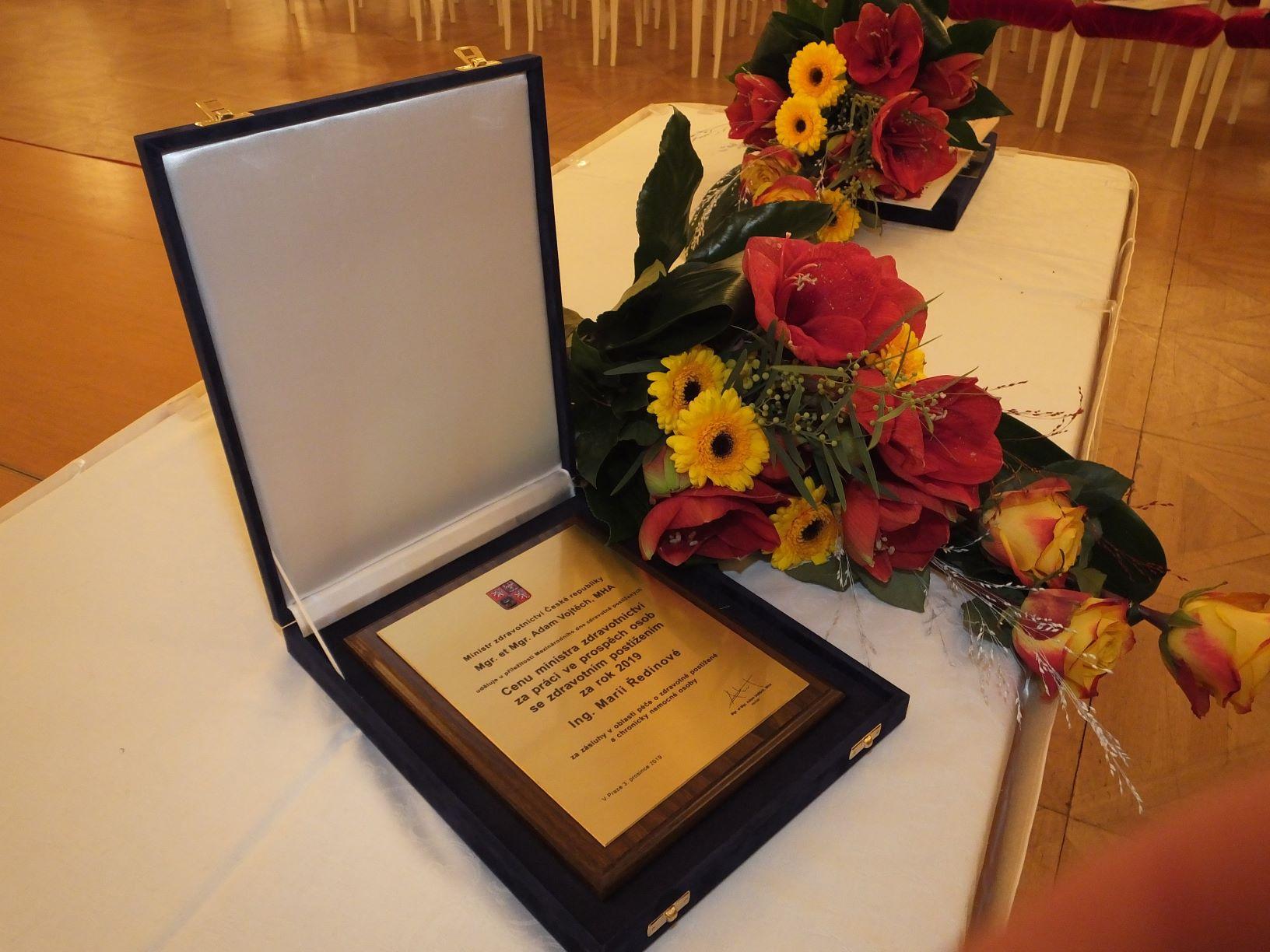 Obr.2 Cena ministra zdravotnictví za práci ve prospěch osob se zdravotním postižením
