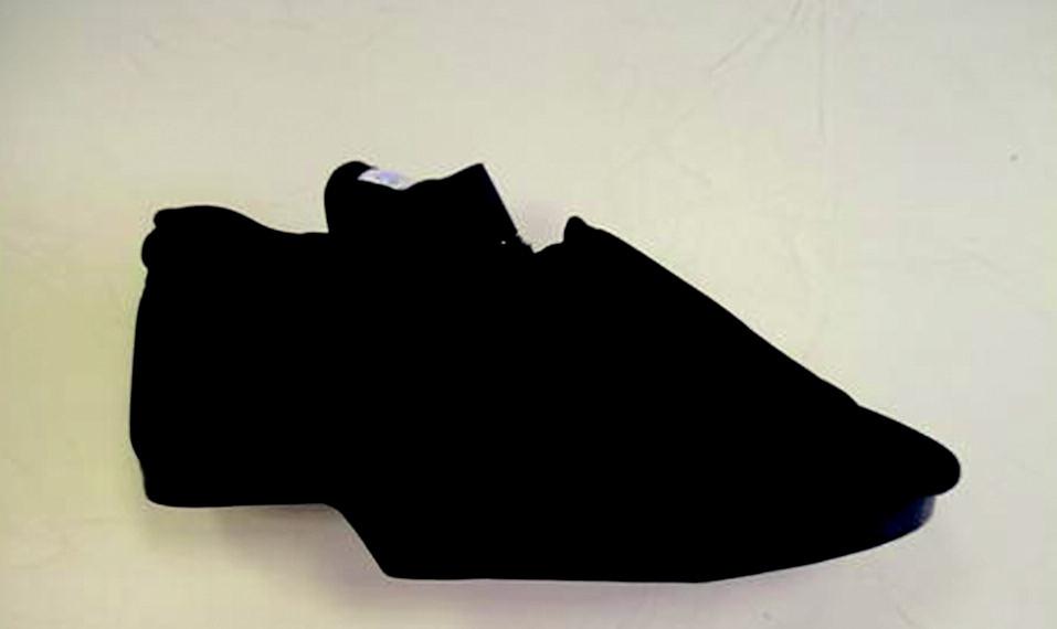 "Terapeutická obuv – ""poloviční bota""."