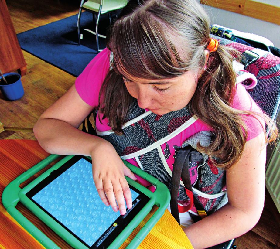 Nácvik jemné motoriky s využitím tabletu u dívky s Rettovým syndromem