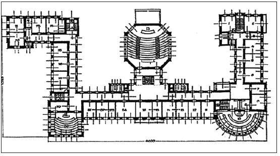 Půdorys Purkyňova ústavu. Půdorysná dispozice je symetrická podle osy sever jih. Hlavní vstupní schodiště do budovy je v severním křídle, západní část uzavírá rotunda sálů pro mikroskopická pozorování, na východním okraji budovy je umístěna obdélníková posluchárna farmakologického ústavu, pod nímž je podloubí. Osmiboký kubus míří jižně, posluchárnu s 300 místy spojuje tříramenné schodiště se severní částí budovy.
