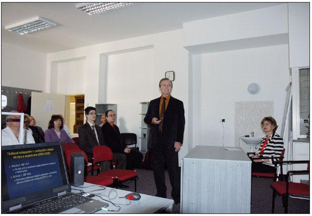Obr. 3. Klinicko-experimentální práci přednesl prof. Fassmann z Brna.