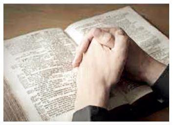Biblioterapie je jednou z forem psychoterapie, která užívá k terapii knihy. Hagioterapie jako vhodný text pro léčbu doporučuje Bibli