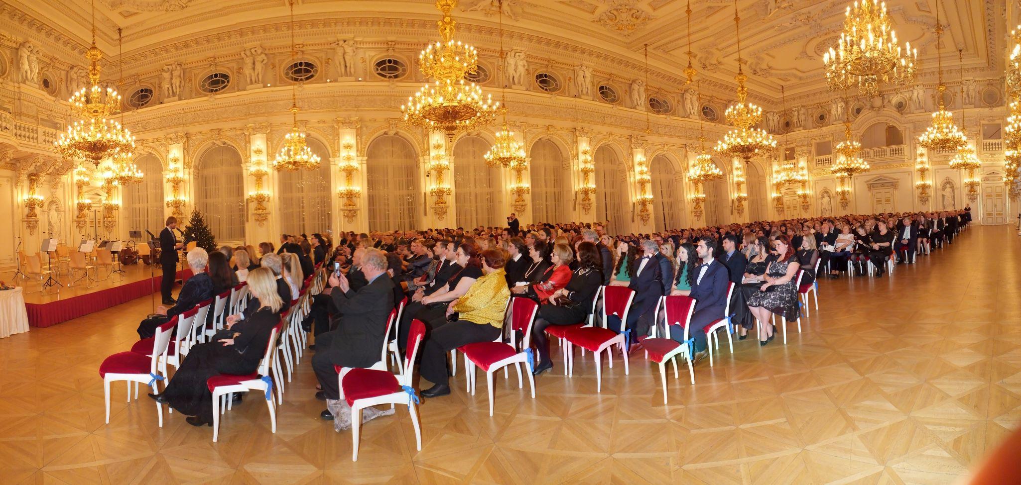 Obr.1 Španělský sál Pražského hradu