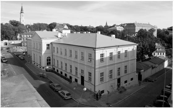 Budova 1. LF UK U Nemocnice 4 – současný stav (fotoarchiv Ústavu dějin lékařství a cizích jazyků)