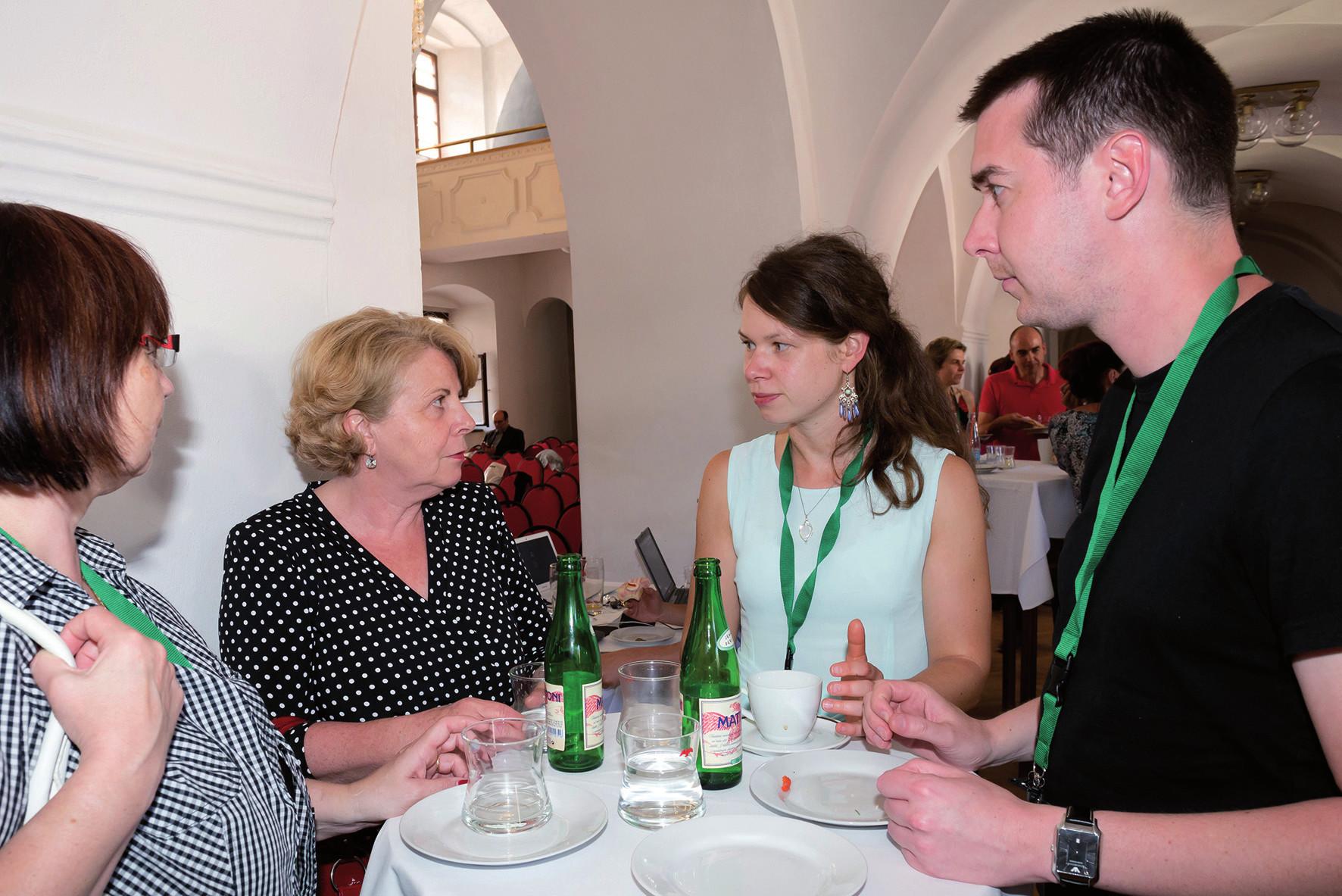 Veronika Krajčová a Milan Vegerbauer (oba NL FN Motol) v rozhovoru s Ing. Golasíkovou ze SUKL.
