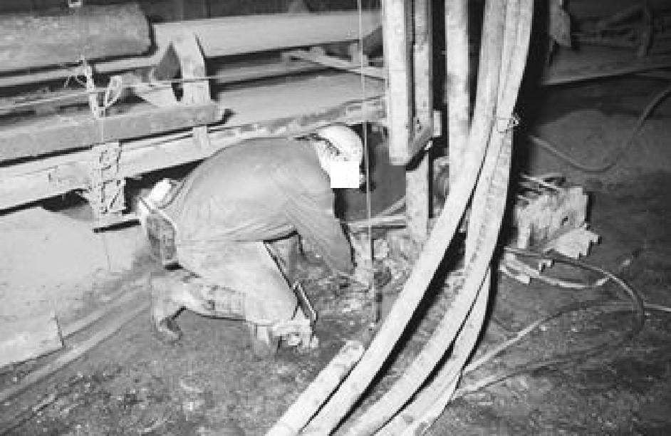 Poloha dolních končetin u profese důlní zámečník