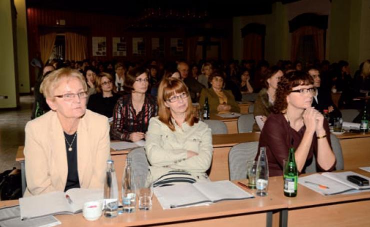 Den uveitid 2012 zaplnil sál