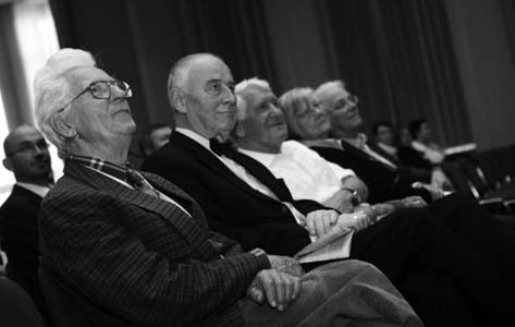 Profesoři Čáp,Koutecký,Riehma Schellong s chotí při slavnostním zahájení sjezdu.