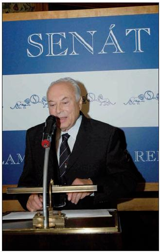Prof. MUDr. Jaroslav Blahoš, DrSc. při projevu Foto: Vladimír Brada.