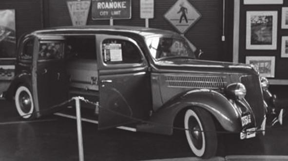 Kombinovaný automobil ambulance/pohřební vůz, Siebert Ford, 1936 (The Virginia Museum Of Transportation, Roanoke Virginia, USA)