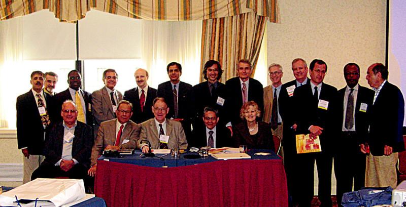 Někteří účastníci ForaWPA 5. 5. 2008 v hotelu Capitol Hilton veWashingtonu (sedící zprava: Sheila Hollins, JuanMezzich, John Cox,George Christodoulou).