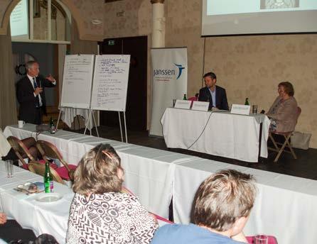 Obr. 12. Prof. MUDr. Tomáš Hanuš, DrSc., jako předseda semináře hodnotí výsledky workshopů vedených MUDr. Otakarem Čapounem, FEBU a MUDr. Miladou Zemanovou, Ph.D. (Praha, 13. 6. 2016) Fig. 12. Professor Tomáš Hanuš, M.D., DrSc., seminar chairman, evaluating the outcomes of workshops led by Otakar Čapoun, M.D., FEBU and Milada Zemanová, M.D., Ph.D. (Prague, 13 June 2016)