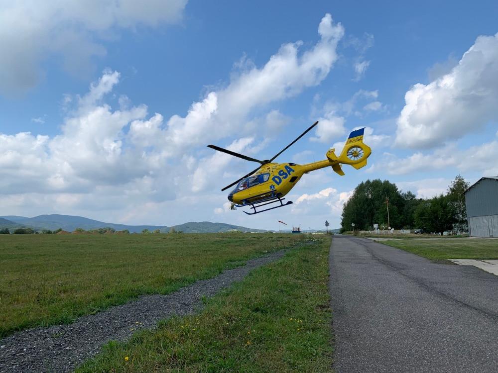 <em><strong>Obr.</strong> Vrtulník Kryštof 18, který využívá ZZS LK. Foto: ZZS LK</em>