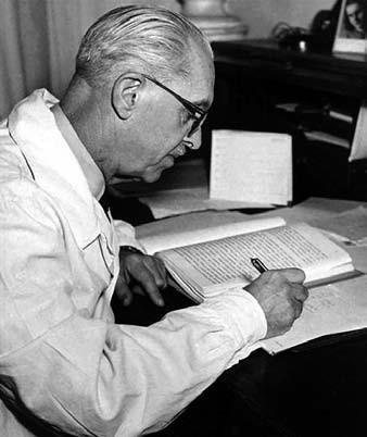 Prof. MUDr. Josef Švejcar, DrSc. (1887–1997).