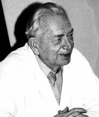 Prof. MUDr. Josef Houštěk, DrSc. (1913–1994).