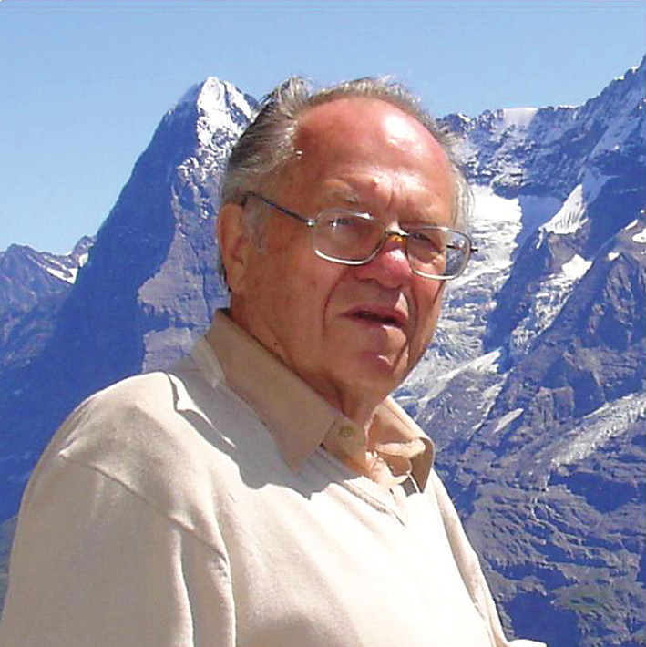 Profesor Luboslav Stárka v roce 2010 v Alpách