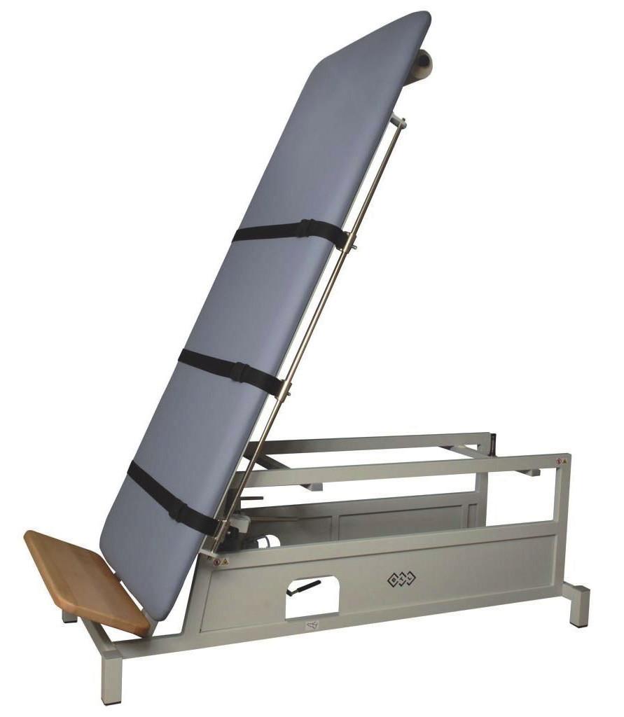 Vertikalizační stůl s oporou pro nohy.