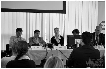 Panelová diskuze při rozboru kazuistiky (zprava): R. Sequens, Z. Šerclová, D. Ďuricová, G. D'Haens a M. Lukáš