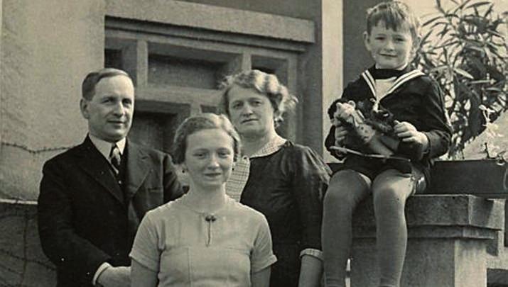 Jaroslav Durych s rodinou