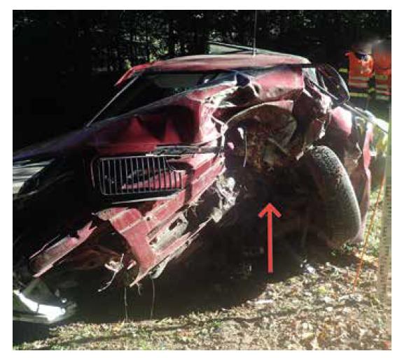 Ukázka deformace exteriéru vozidla č. 1.<br> Fig. 5. Illustration of the vehicle no. 1 exterior deformation.