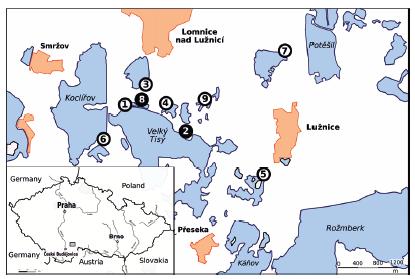 Studijní plochy odchytu komárů v roce 2018 s vyznačením lokality se záchytem WNV (černě) Vysvětlivky: rybníky (modře) 1-'Velký Tisý-západ', 2-'Velký Tisý-východ', 3-'Služebný', 4-'Velký Dubovec', 5-'Malý Tisý', 6-'Koclířov', 7-'Černičný', 8-'Šaloun', 9-'Velký Panenský'.<br> Figure 1. Mosquito collections, South Bohemia, 2018. The WNV positive site is highlighted in black. Legend: fishponds (in blue) 1-'Velký Tisý-západ', 2-'Velký Tisý-východ', 3-'Služebný', 4-'Velký Dubovec', 5-'Malý Tisý', 6-'Koclířov', 7-'Černičný', 8-'Šaloun', 9-'Velký Panenský'.
